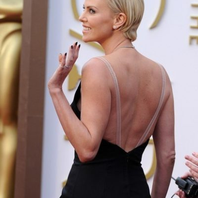 How to hold your posture like Charlize Theron or Jennifer Ennis